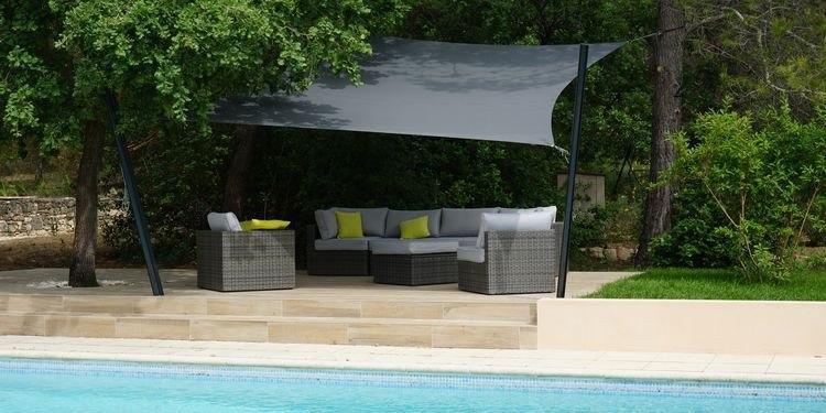 comment apporter de l 39 ombre son jardin. Black Bedroom Furniture Sets. Home Design Ideas