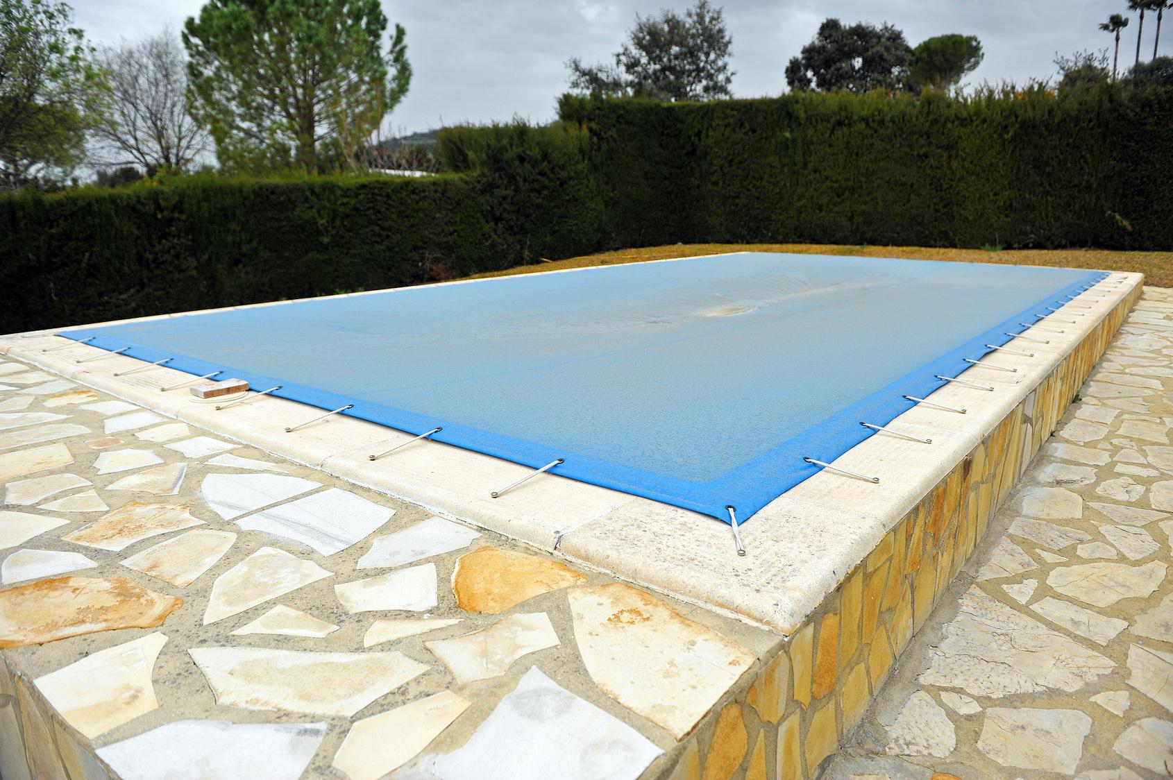 Construction D Une Piscine les étapes de construction d'un spa ou d'une piscine en kit